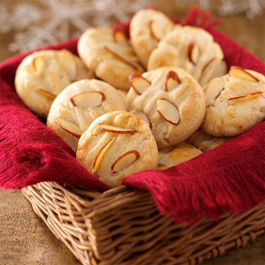 bánh quy hạnh nhân (almond cookies) là một món bánh nổi tiếng thế giới