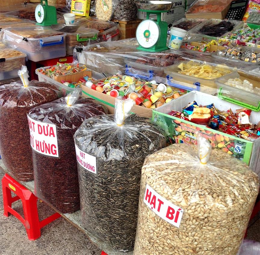 hạt hướng dương cũng được bày bán tại các chợ lớn, nơi mà bạn sinh sống