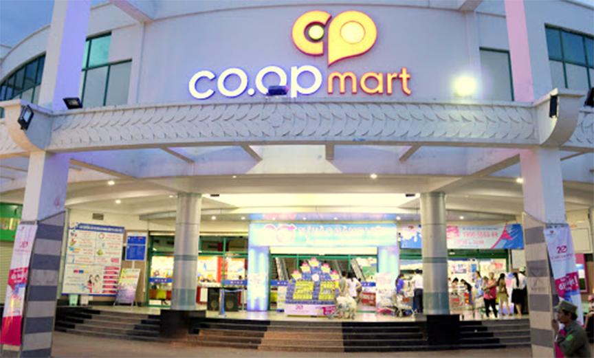 bạn có thể mua hạt hạnh nhân ở hệ thống siêu thị CoopMart và CoopFood