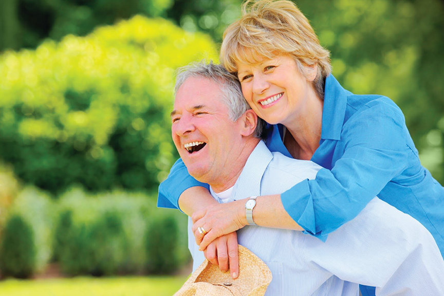hạt óc chó rất tốt cho người già, giúp đảm bảo sức khỏe và làm chậm đi quá trình lão hóa diễn ra trong cơ thể