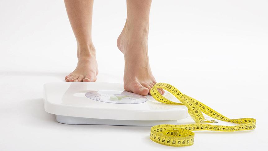 ăn hạt óc chó cũng là 1 trong những cách giúp cơ thể bạn kiểm soát được cân nặng và hỗ trợ giảm cân